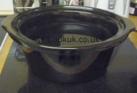 The cooking bowl of the Tesco sc356 slow cooker